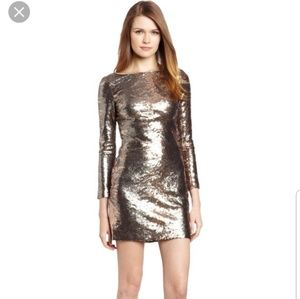 100% sequined dress in silver /nude pattern